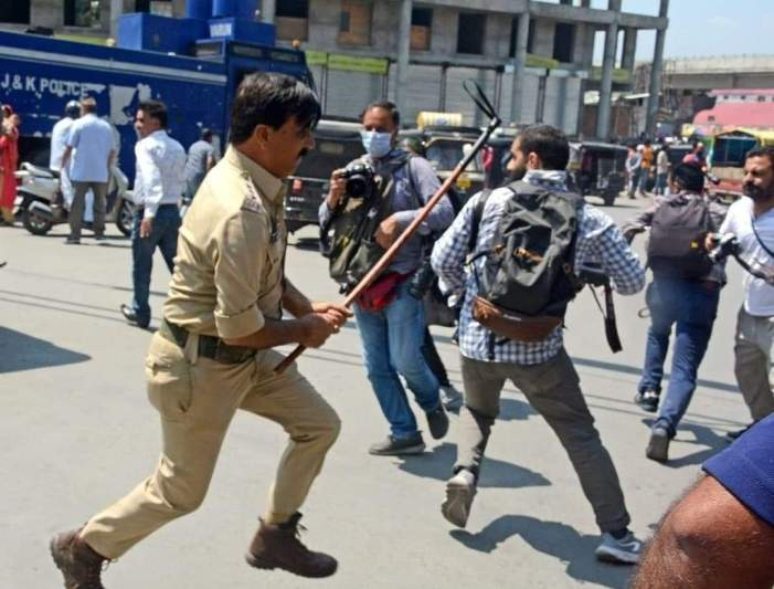 Thrashing of journalists: DGP orders action against police officer