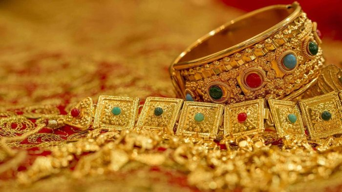 Indian spot gold rate and silver price on Thursday, Aug 05, 2021