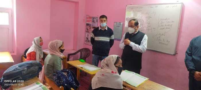 Advisor Bhatnagar visits ITI Seer, HSS Pahalgam