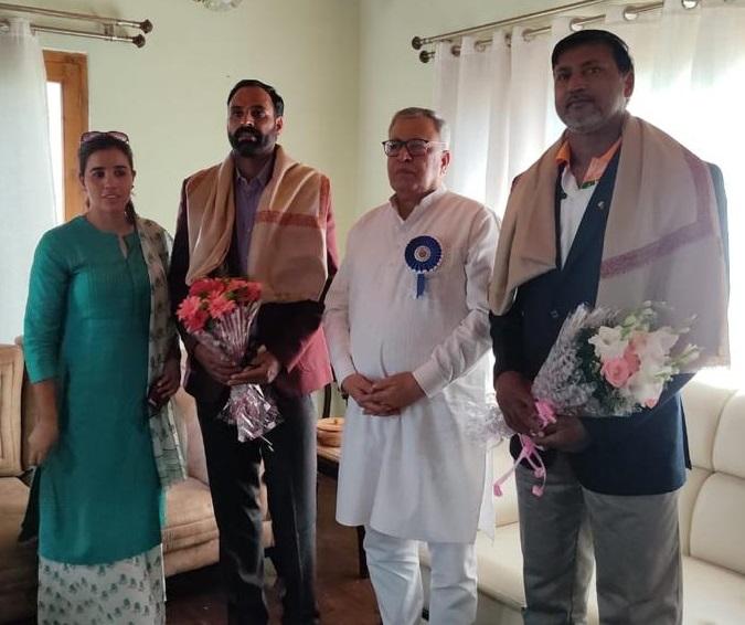Dronacharya, Padma Shri, Arjuna awardees call on Advisor Farooq Khan