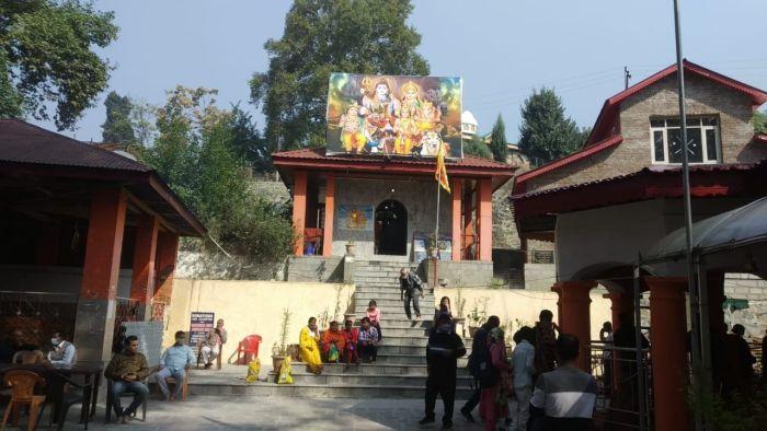 Amid tension, Kashmiri Pandits visit Durga Nag temple in Srinagar