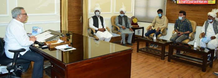 Advisor Farooq Khan meets delegations; assesses their issues, concerns