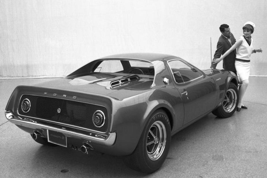 Mustang Mach 2 Concept