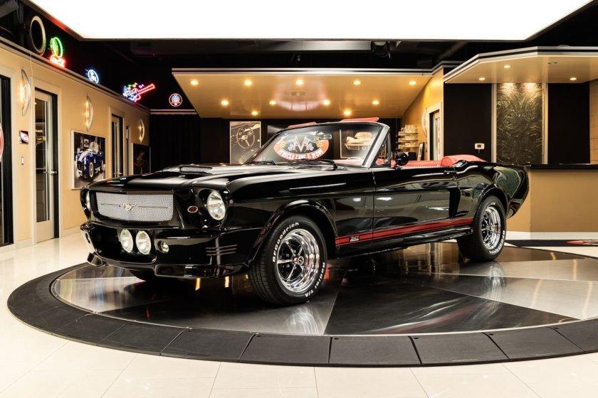 1965 Ford Mustang restomod