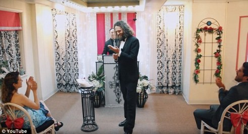 man-marries-his-smartphone-in-church-ceremony