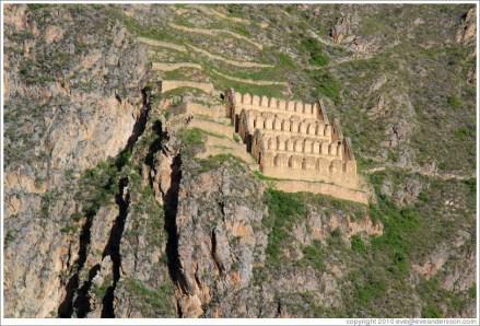 ollantaytambo-pinkuylluna-ruins-from-fortress-2-large