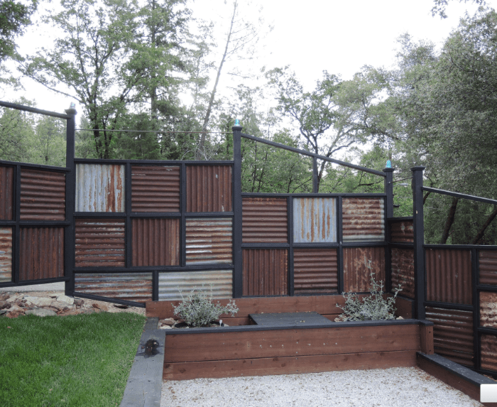 Need Privacy Fence Ideas? These will be Your 20++ Coolest ... on Decorations For Privacy Fence id=40434