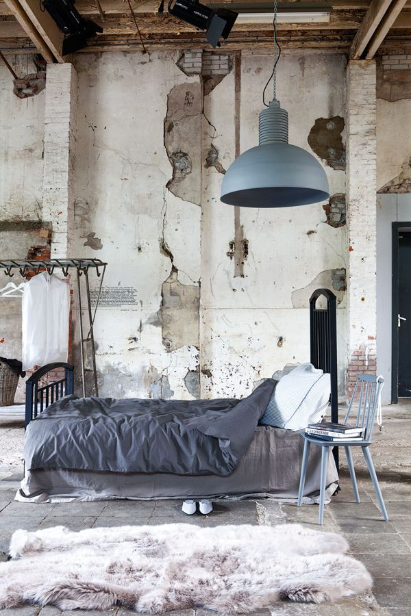25 Creative Industrial Bedroom Ideas You Can Try At Home