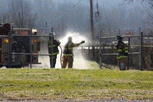 Firefighters Decontaminated After Sulfur Dioxide Leak