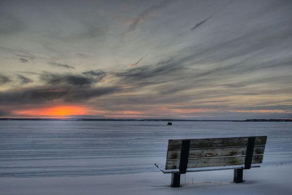 800px-Bench_Pigeon_Lake_Alberta_Canada_02A