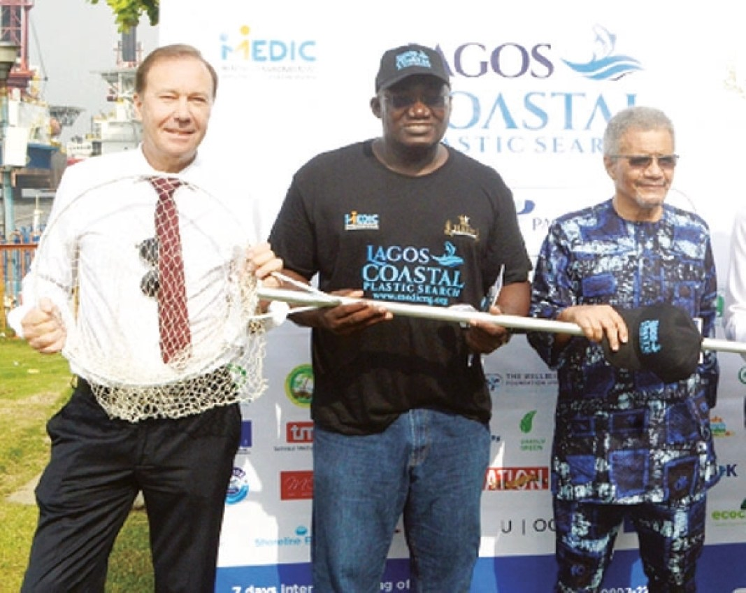 •From left: Chairman, British Business Group Mr Stanley Evans; Co-Convener, Lagos Coastal Plastic Search Olalekan Bakare and Chairman, Lufasi Park, Mr Desmond Majekodunmi.