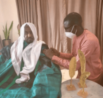 photos-former-kano-emir-sanusi-receives-covid-19-jab