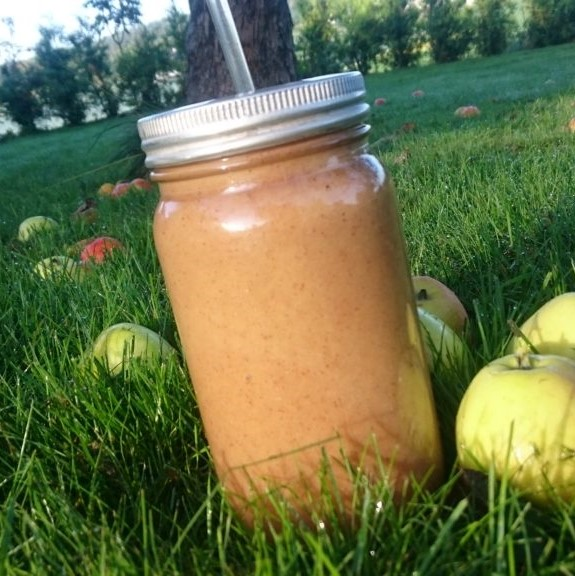 Liquid apple cake smoothie