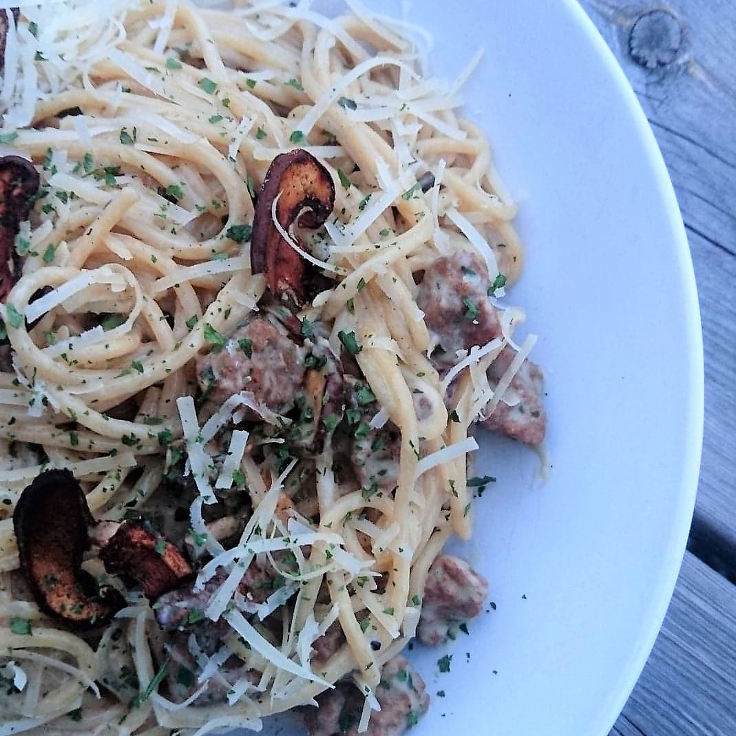 Nicky's pasta carbonara with smokey mushroom facon
