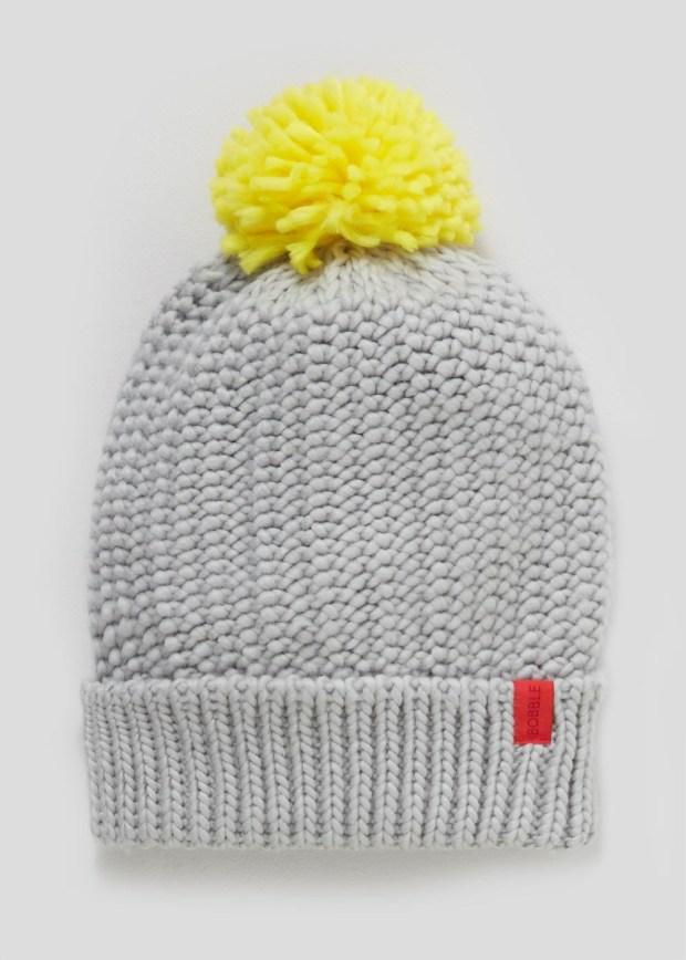 official-alder-hey-grey-adult-bobble-hat.jpg