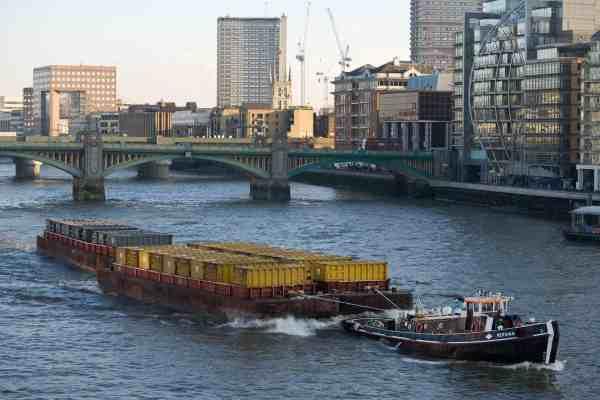 Barge bollard pull calculation