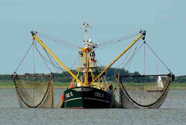 fishing vessel equipment selection