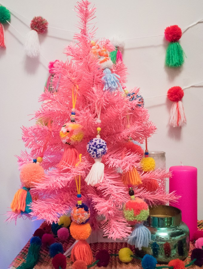 5 Funky Ways to Decorate your Home for the Holidays