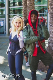 Spider Gwen and Miles (@moon.chi.cosplay and @akiradubs)