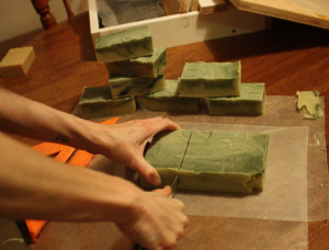 Cutting Cold Process Soap
