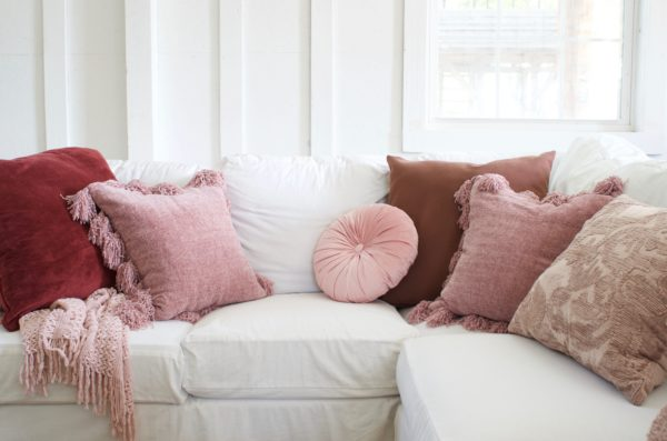 pillow tips that will change your sofa