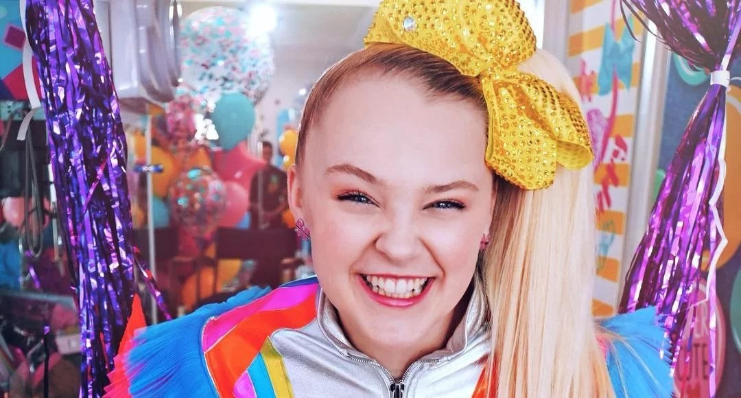 Everything we know about JoJo Siwa's parents