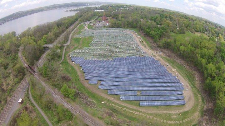 Beacon-solar-field-construction