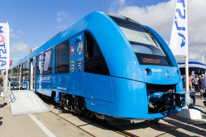 Alstom_Coradia_iLint_-_innoTrans_2016_optimized