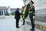 President Akufo-Addo lays a wreath at Tianamen Square