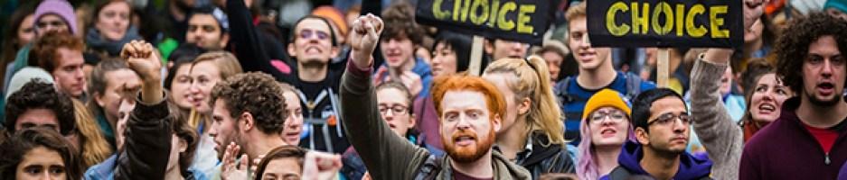 [Analisi] La Democrazia Ammalata: tra celebrità, movimenti e la teoria del Giovane Cittadino.