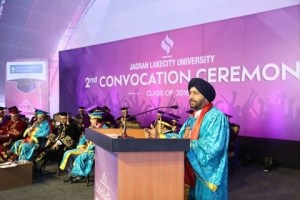gurmit-singh-addressing-the-conference-at-jlu-2
