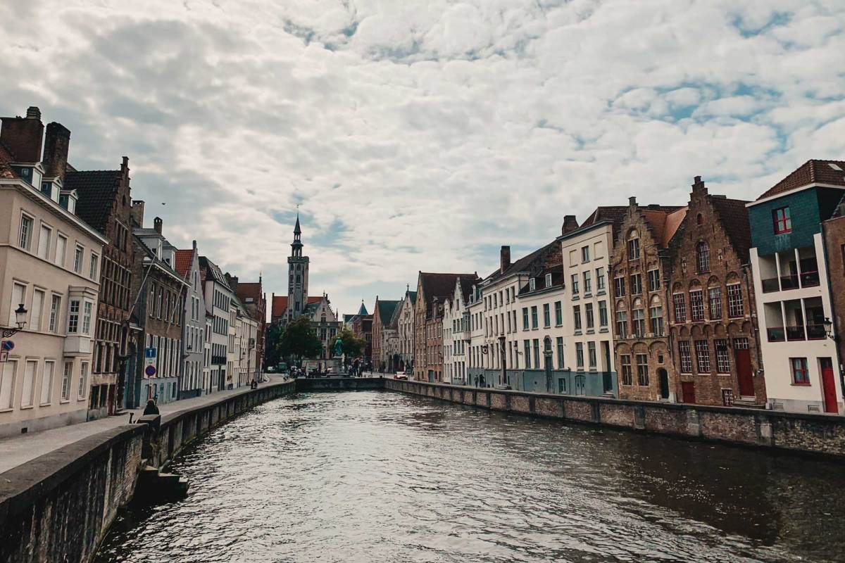 Vaar door de grachten in Brugge