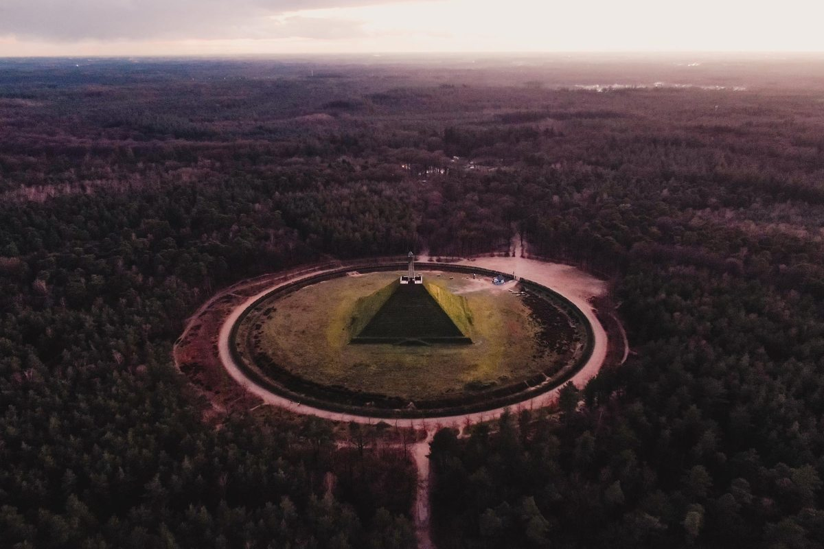 Natuur bij de Pyramide van Austerlitz Nederland