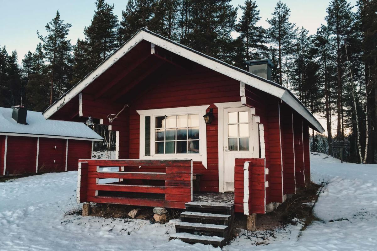 Korvalan Kestikievari (Log Cabins)
