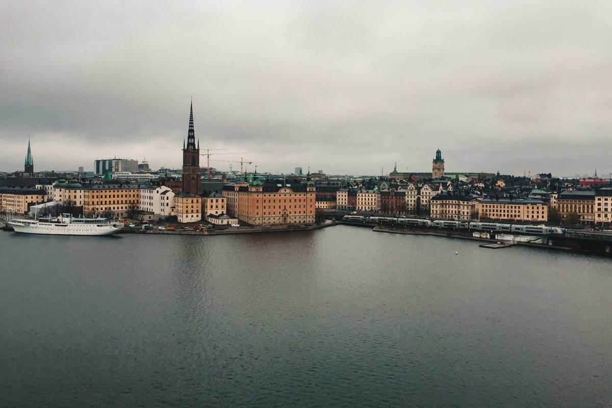 Uitzicht vanaf de wijk Södermalm op Stockholm