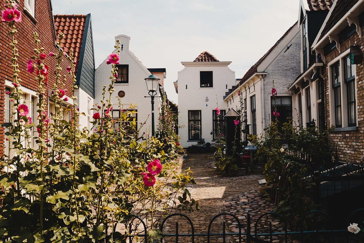 Breng een bezoek aan Den Burg