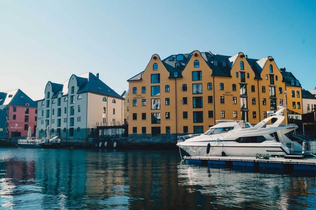 Verken de vele eilanden van Alesund