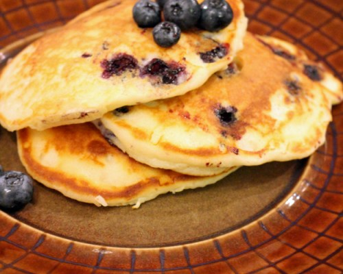 Blueberry Pancakes (with Greek Yogurt)