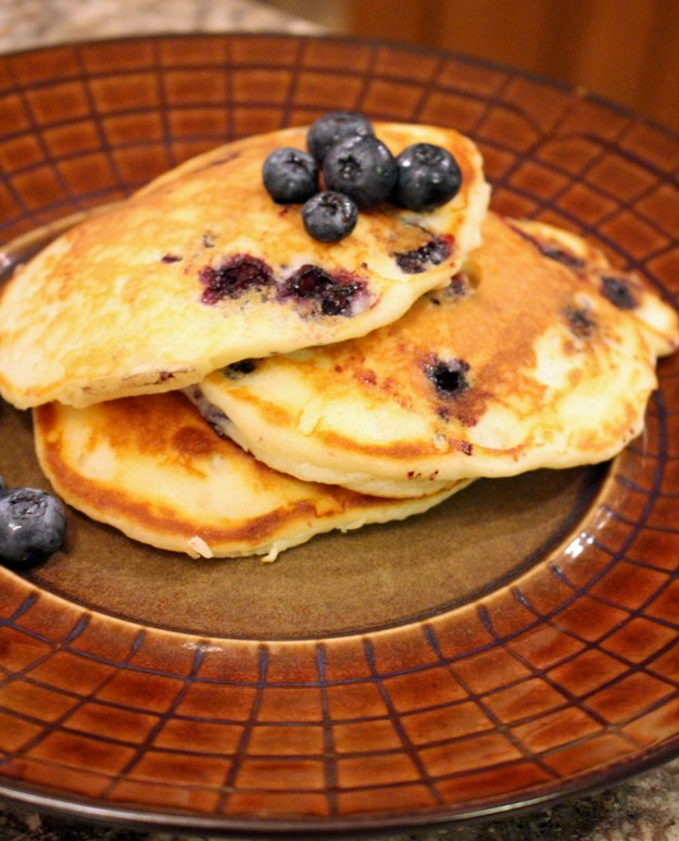 Blueberry Pancakes (with Greek Yogurt)
