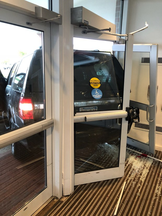 Suv Crashes Through Glass Doors At The Newport Marriott