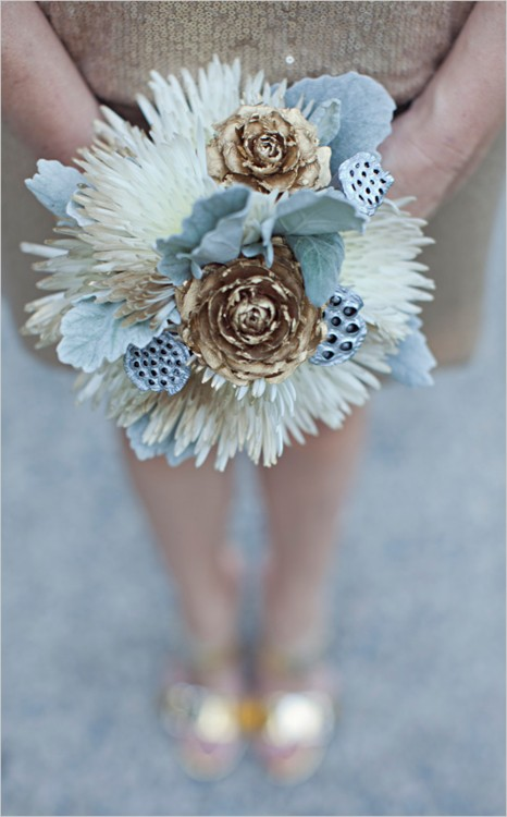gold-and-white-winter-wedding