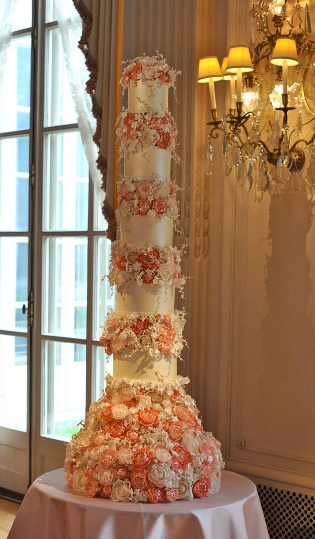 Wedding Cake Trends - Sugar Flowers | The Newport Bride
