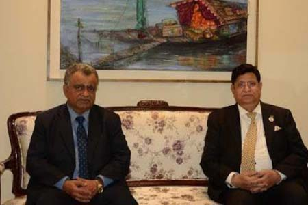 The CDA of Oman pays his farewell call on the Foreign Minister