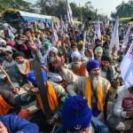 किसान आंदोलन का 5वां दिन :किसान दिल्ली सील करने की तैयारी में, पुलिस ने सिंघु-टिकरी सीमा बंद की; शाह से मिलने पहुंचे तोमर