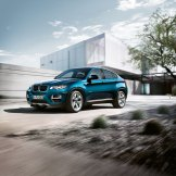 2016 BMW X6 Driving
