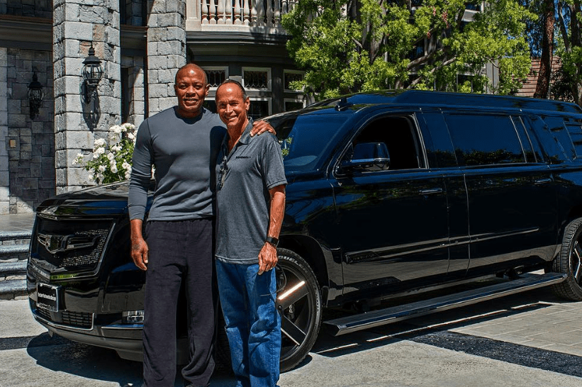 Dr Dre S New Stretched Cadillac Escalade Is Heaven On