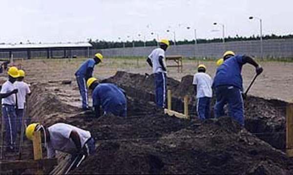 An inmate construction crew building the Columbia C.I. Annex. (Courtesy of Florida Department of Corrections)