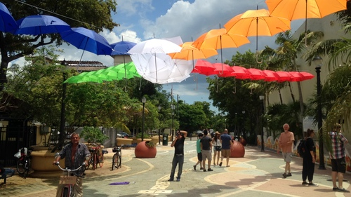 Umbrellas over the plaza (Courtesy of Urban Impact Lab)