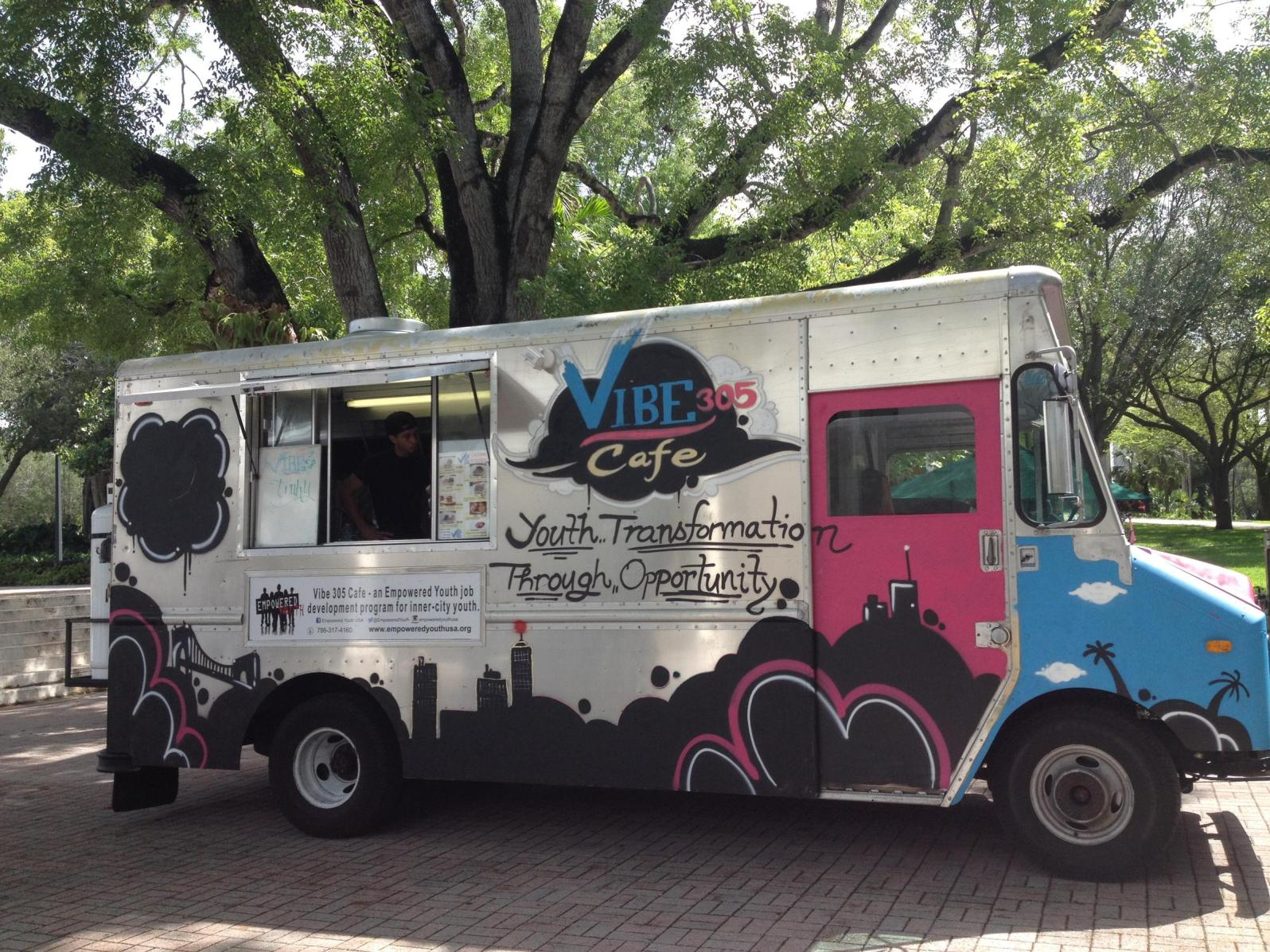 Vibe 305 Food Truck (Courtesy of Empowered Youth)