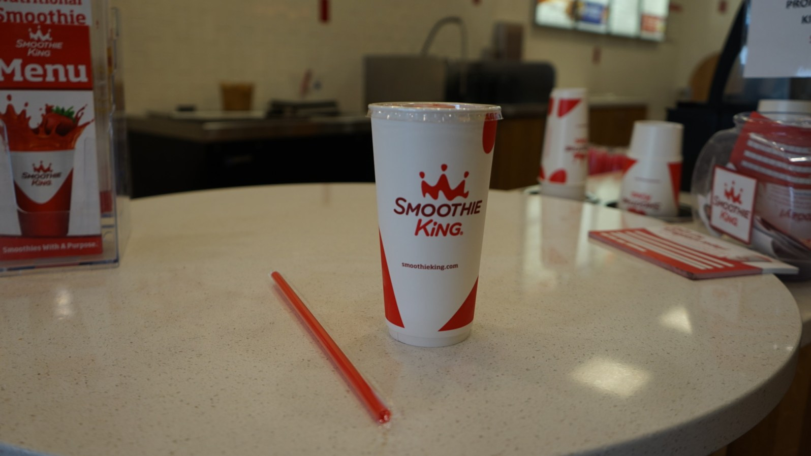 Smoothie King switched to paper cups about a year ago. (Credit: Roshan Nebhrajani/The New Tropic)
